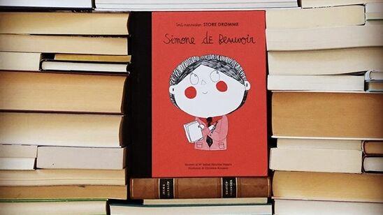"Billedbogen ""Simone de Beauvoir"" fra serien ""Små mennesker, store drømme"". Foto: Forlaget Albert på Instagram: https://www.instagram.com/forlaget_albert/"