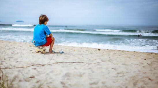 Læs og lær om havet og sommeren – på stranden.