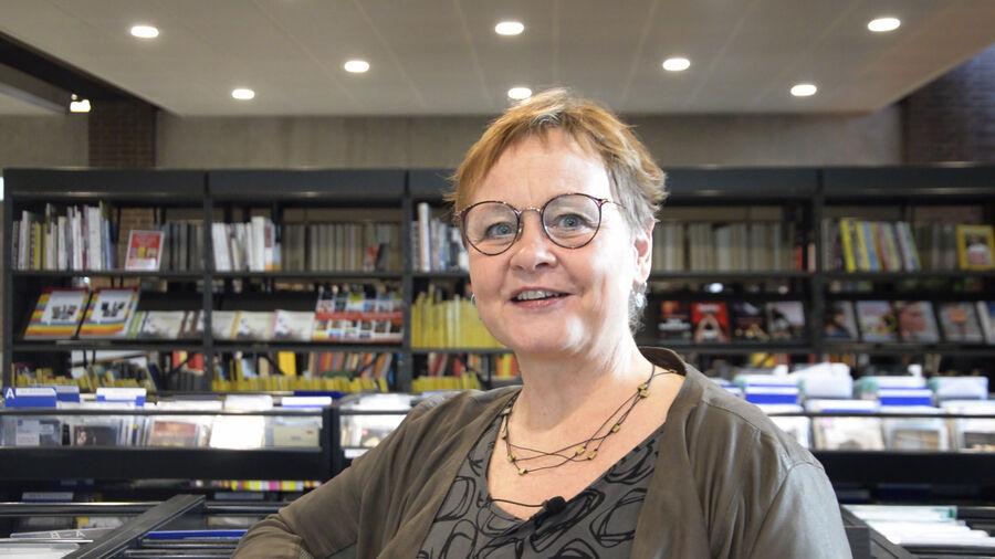 Musikbibliotekar Marit Juhl i Herlev Biblioteks musikzone