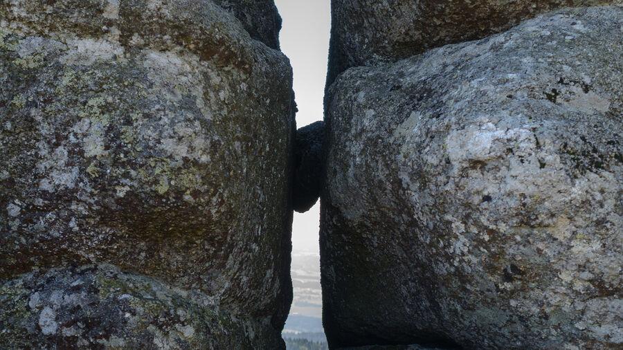 Sten i kløft