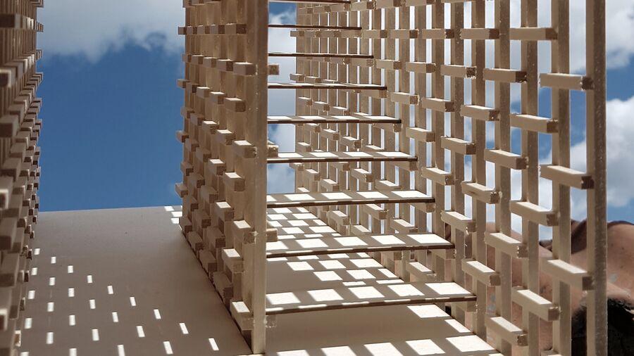 Model af trappen, der er udstillet i biblioteksrummet