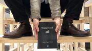"""Digtsamlingen """"Trappevask"""" på Herlev Biblioteks trappe-installation"""